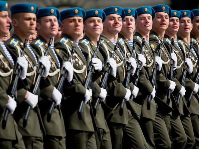 Нужна ли строевая подготовка в армии России
