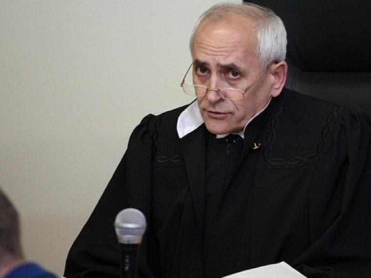 Судья Сергей Москаленко после проведенной операции пришел в себя