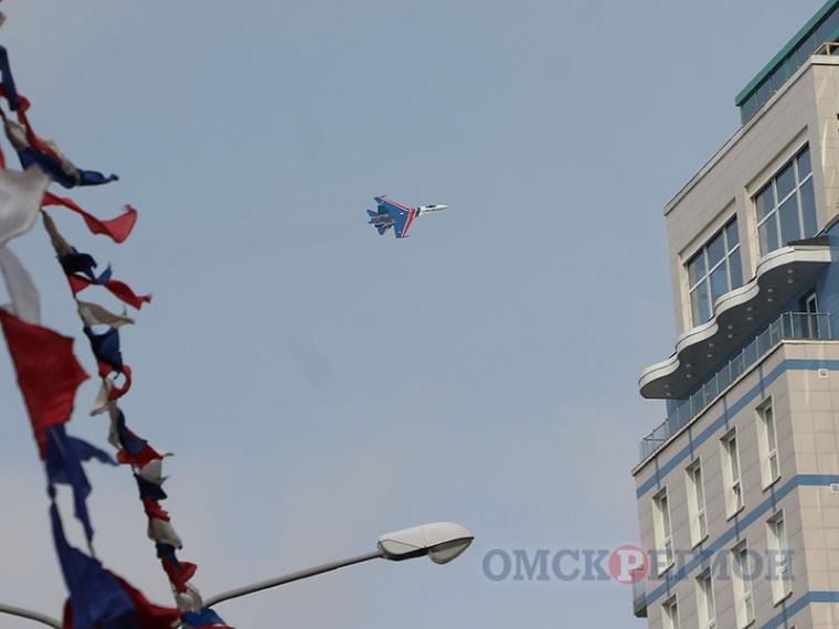 Семье погибшего пилота истребителя Су-27 выплатят 500 тыс. руб.