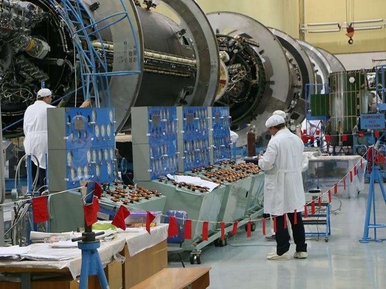 «Ангара» останется в лунной программе третьей ступенью сверхтяжелой ракеты #Экономика #Омск