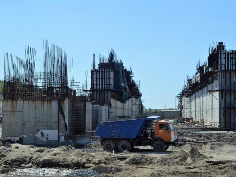 НаКрасногорском гидроузле под Омском предотвратили трагедию, укрепив основание
