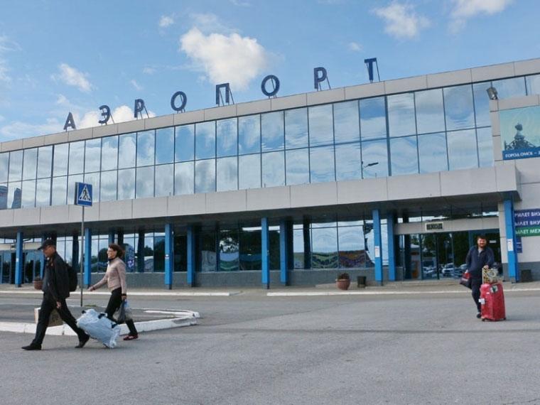 Изомского аэропорта эвакуировали 800 человек