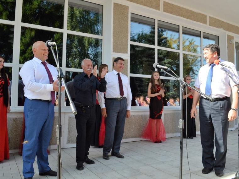 Виктор Назаров открыл вБольшеречье 3D-кинотеатр