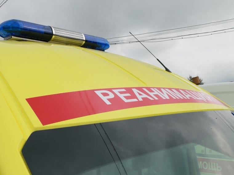 ВОмске шофёр мотоцикла врезался вавтомобиль