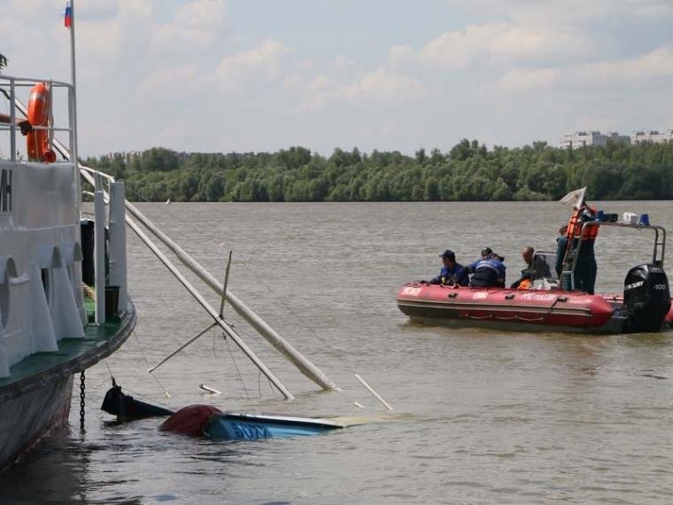 Рулевого перевернувшейся наИртыше яхты будут судить засмерть двоих людей