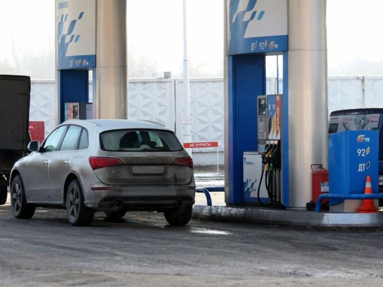ВКрасноярске автомобильное горючее наиболее популярной марки оказалось самым недорогим вСибири