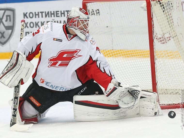 ХК «Сочи» надомашнем льду обыграл омский «Авангард»