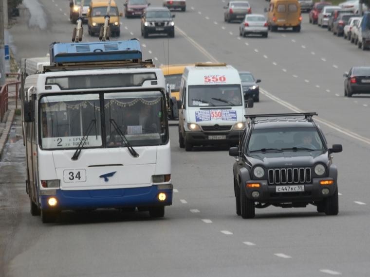 Мэрия Омска непланирует увеличивать стоимость проезда вавтобусах доконца года