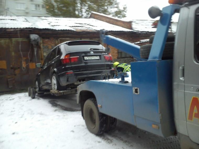 Гражданин Омска лишился БМВ X5 из-за долгов прошлого владельца