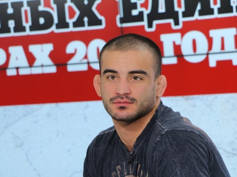Боец Корешков проиграл жителю америки ипотерял титул чемпиона мира Bellator