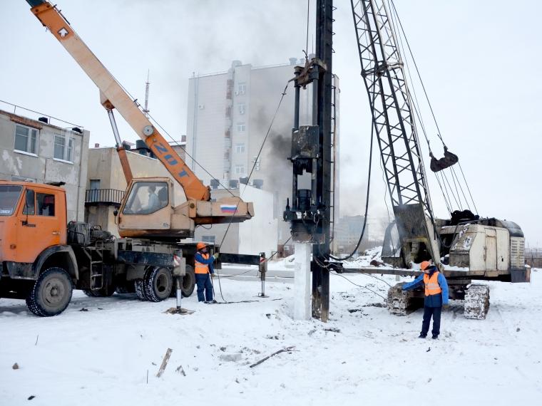 ВОмске начали строитьФЦ поподготовке профессионалов, обучающих водителей транспортных средств