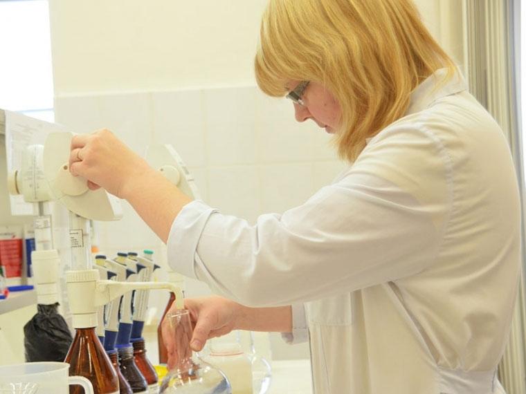 ВОмской области передали всуд дело омассовом отравлении питьевой водой