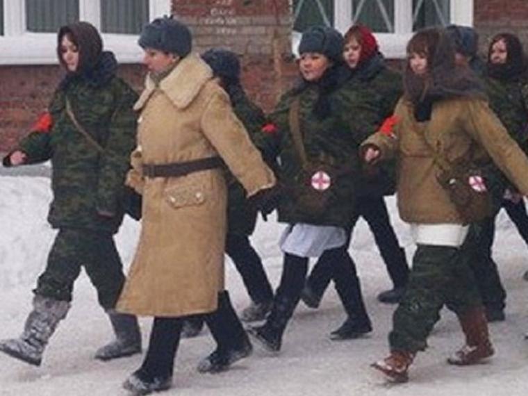 Вцентре Омска реконструировали битву заСевастополь