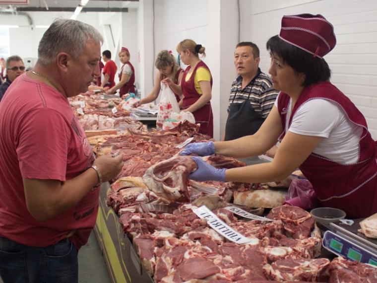 ВОмске дешевле всего вСибири стоят мороженая рыба исыр