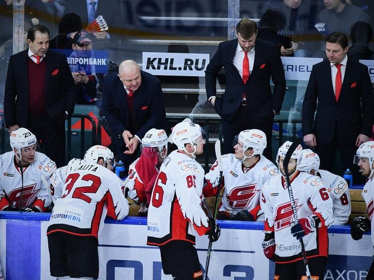 Тольяттинская «Лада» прерывает серию поражений, побеждая омский «Авангард»