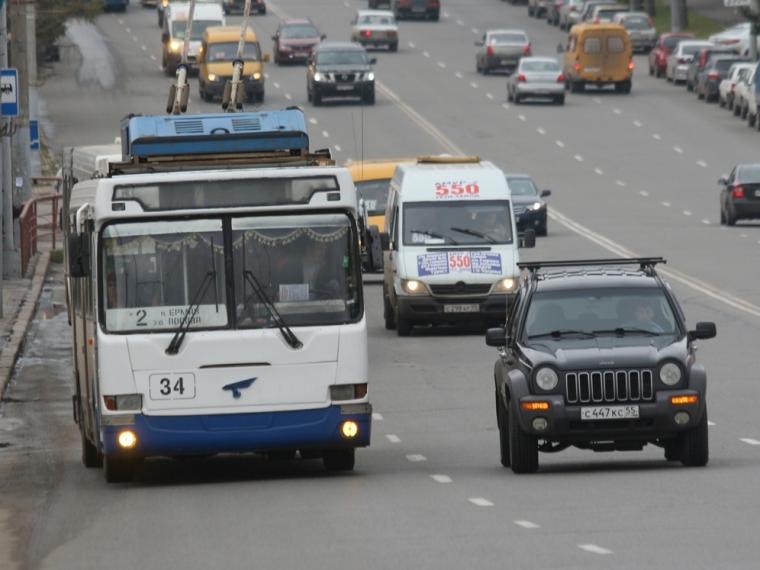 Троллейбусы вОмске начали ходить досамой ночи