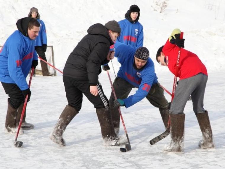 Руководство Омской области сыграет вхоккей вваленках