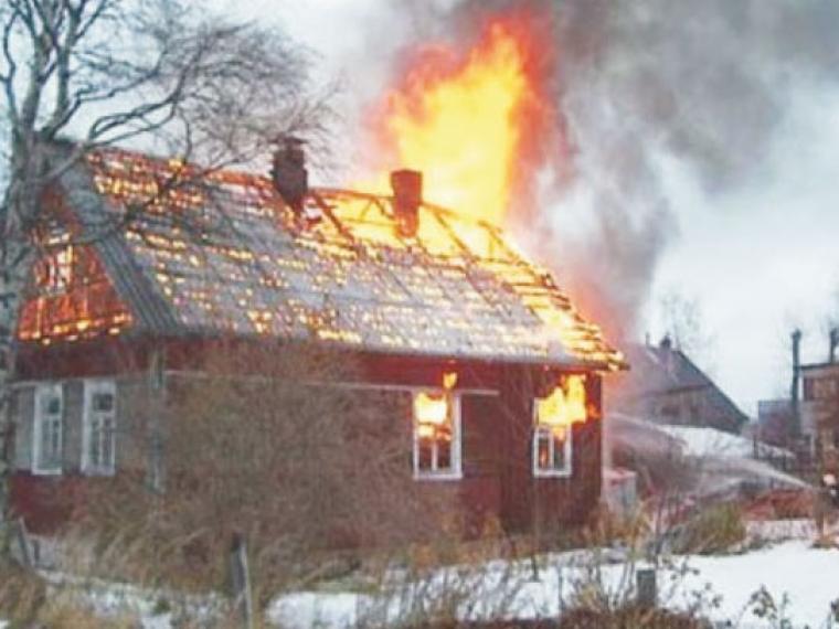 Взагоревшемся доме Омского района погибли престарелые супруги