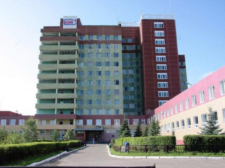 ВОмске пенсионерка выбросилась изокна БСМП-1