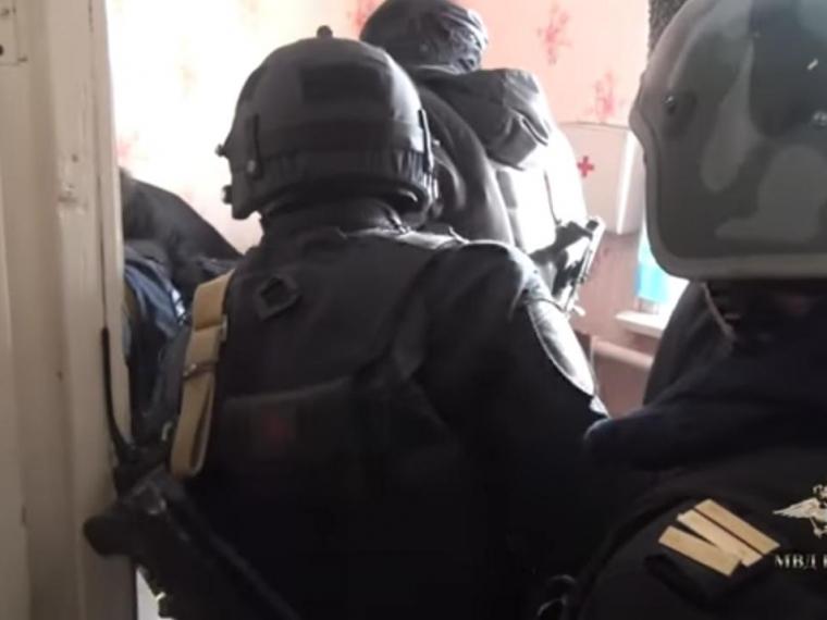 Служащих омской Росгвардии наградят заосвобождение 13-летней заложницы