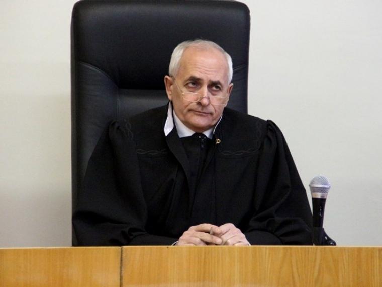 Сумершего судьи Москаленко сняли статус обвиняемого