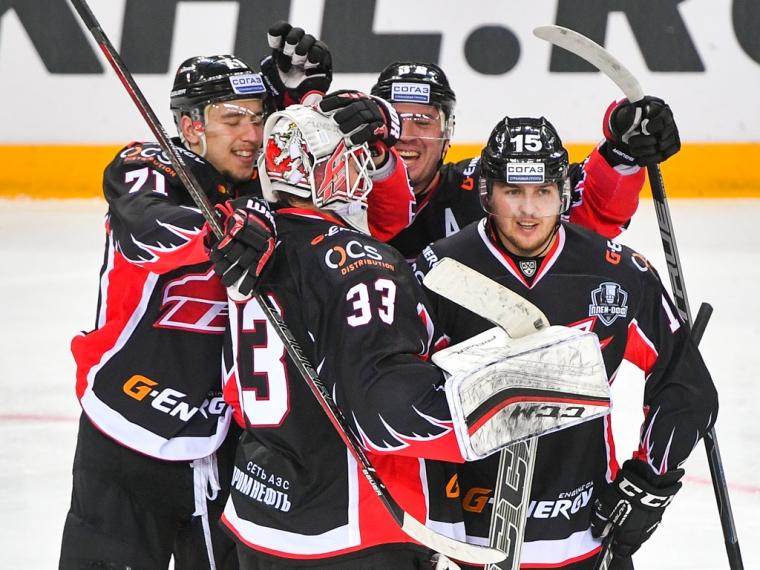 «Авангард» разгромил «Адмирал» вматче первого раунда плей-офф КХЛ