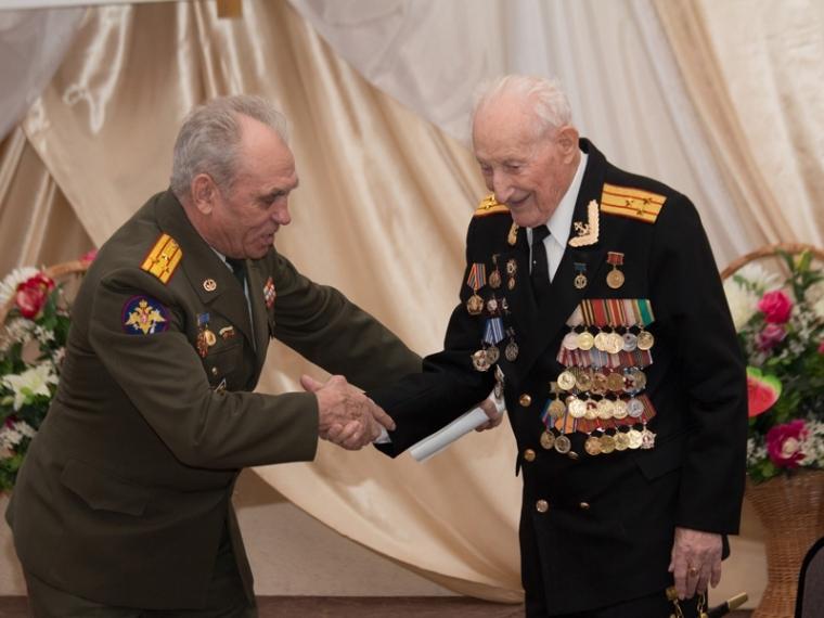 Омские ветераны получат к9Мая по3600 руб.