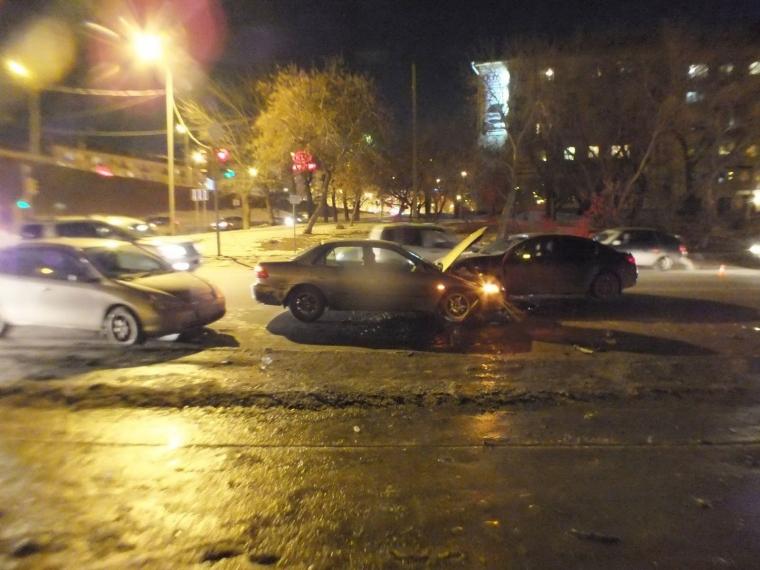 Появились фото ДТП наИртышской Набережной спострадавшими омичами