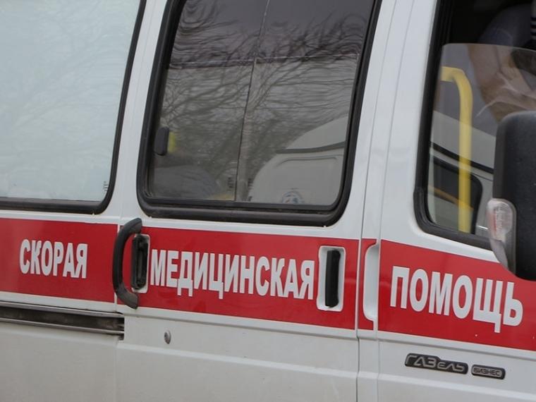 ВОмском районе шофёр Шевроле врезался вбольшегруз и умер
