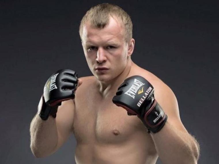 Названа сумма, которую омский боец Шлеменко может заработать заодин бой