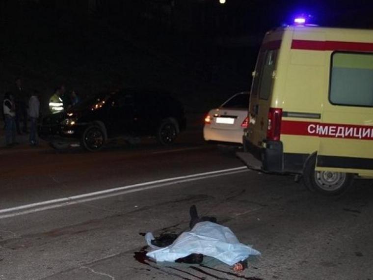 Ночью натрассе вОмской области вседорожный автомобиль насмерть сбил пешехода