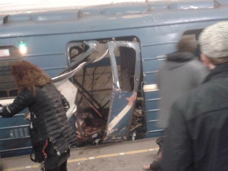 СМИ докладывают овтором взрыве вметро Санкт-Петербурга