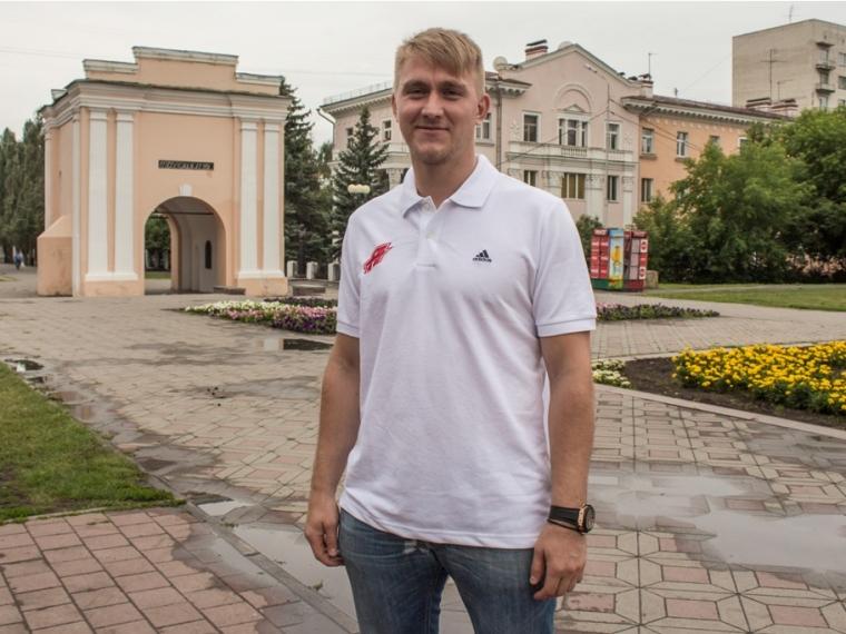 Лучшие хоккеисты вОмске— форварды: Николай ЛЕМТЮГОВ иАнтон КОВАЛЁВ