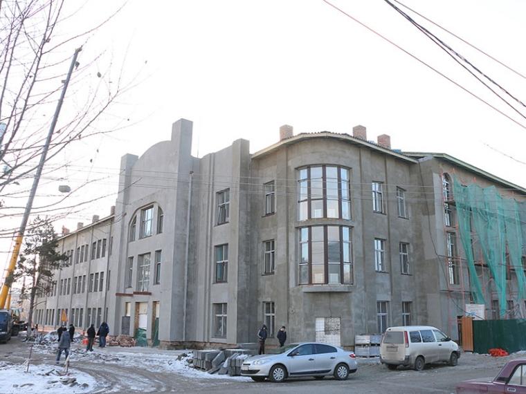Д. Медведев  пообещал Омску 137 млн  руб.  надостройку «Галерки»