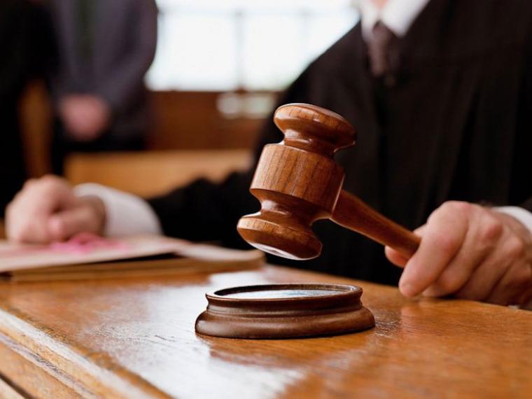 Омичке, избивавшей 8-летнюю дочь скакалкой, вынесли вердикт