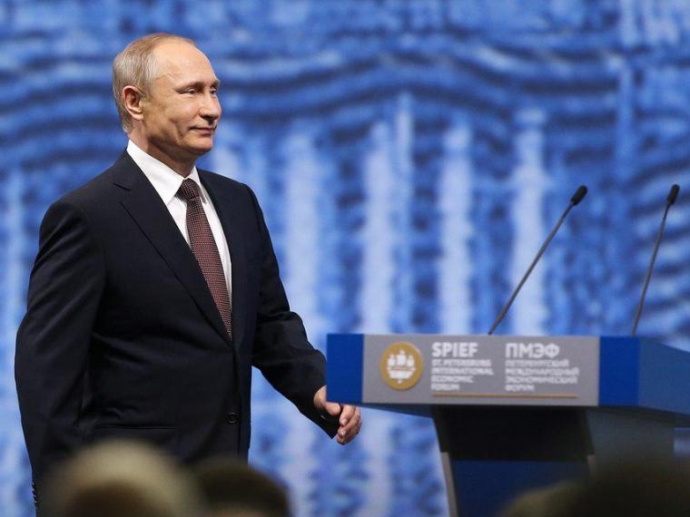 Назаров улетел вСанкт-Петербург нафорум ивстречу сПутиным