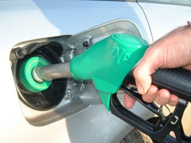 ВОмске наАЗС ввиде бензина реализуют суррогат