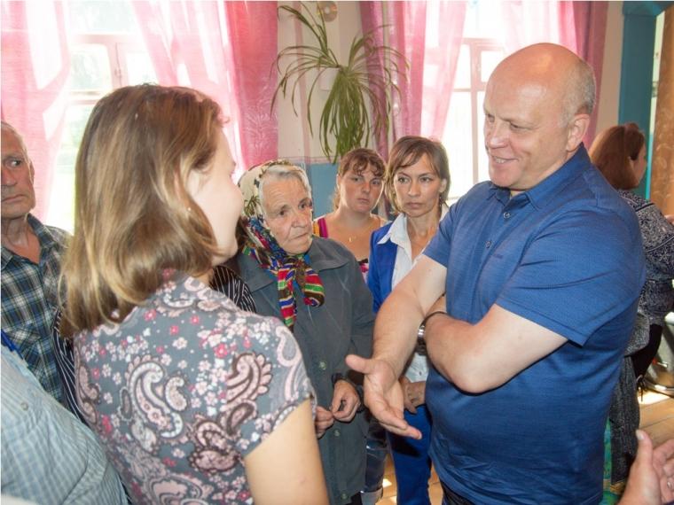 Шнуров готов приехать сконцертом вОмск после скандала свыступлением Бабкиной