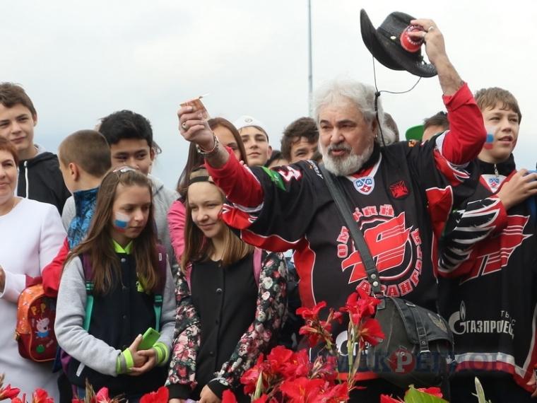 ВОмске реализуют право поужинать схоккеистами «Авангарда»