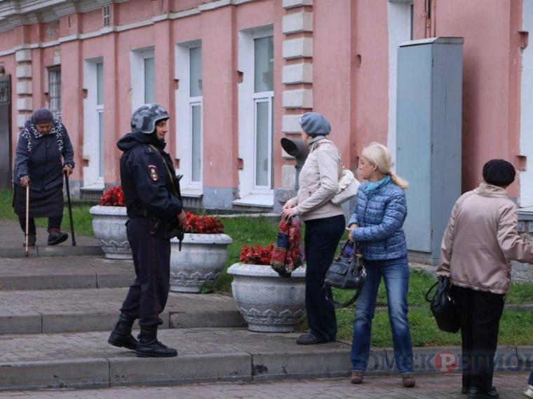 Милиция  отыскала  омича, который сказал о  минировании дома собственной  девушки вКордном