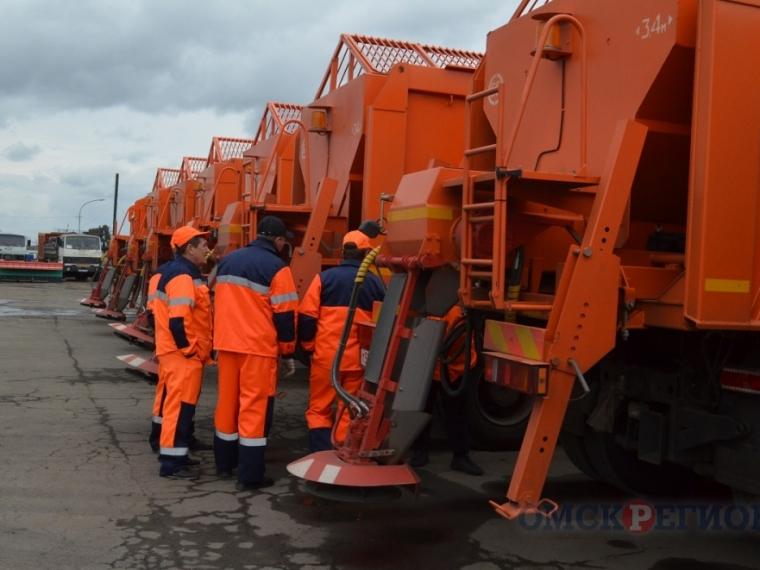 Омские дорожники сегодня перешли назимний режим работы