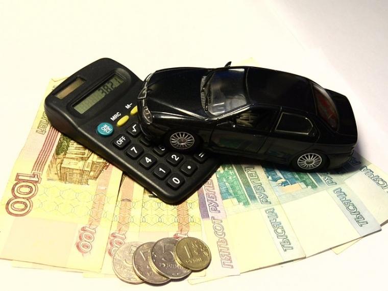ВОмске стало больше владельцев автомобилей, однако менее дорогих машин