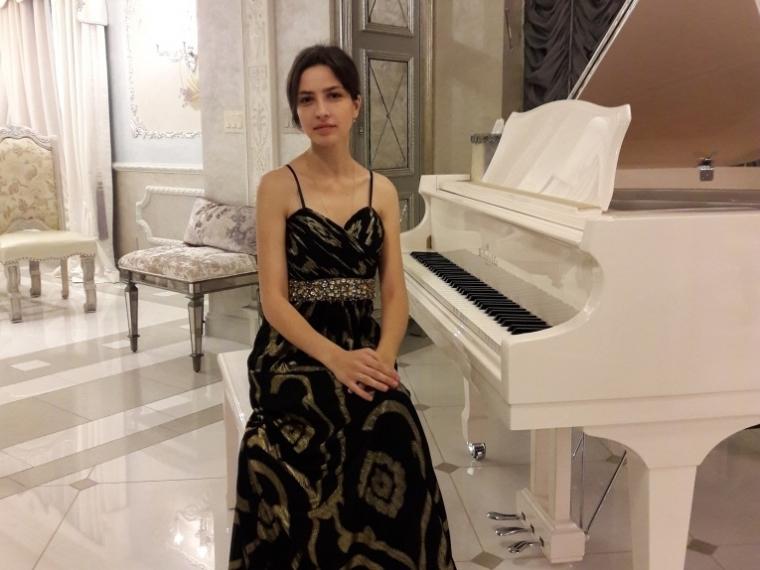 Омская пианистка стала лучшей намеждународном конкурсе вСША