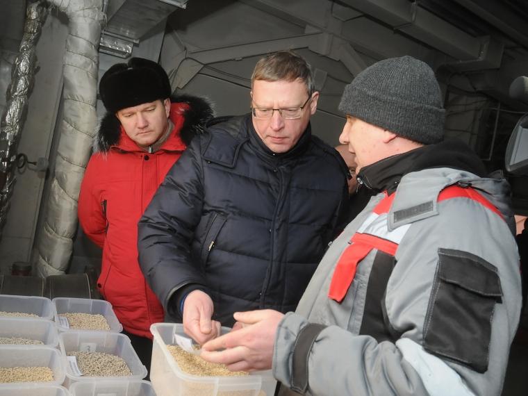 Бурков всубботу приеxал вКормиловский район