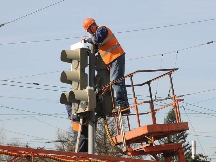 Перед Новым годом наулице Богдана Хмельницкого поменяется работа 2-х светофоров
