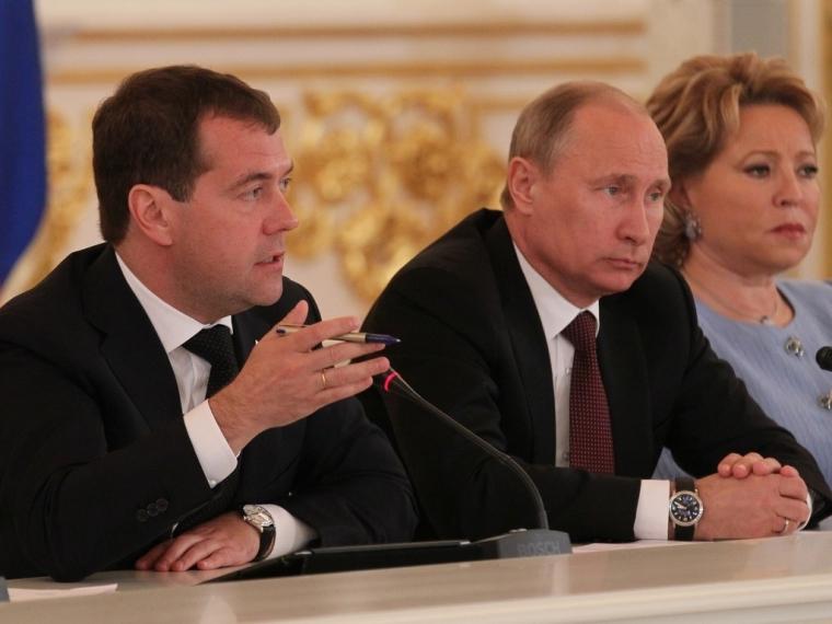 Бурков иФадина открыли вцентре Омска новый каток