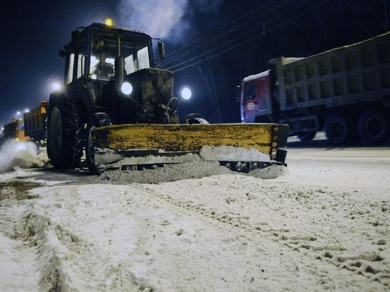 Сдорог Омска убрали еще 7 тыс. кубов снега