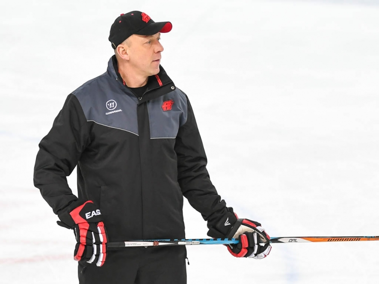 Руководство омскогоХК «Авангард» уволило основного тренера Андрея СКАБЕЛКУ