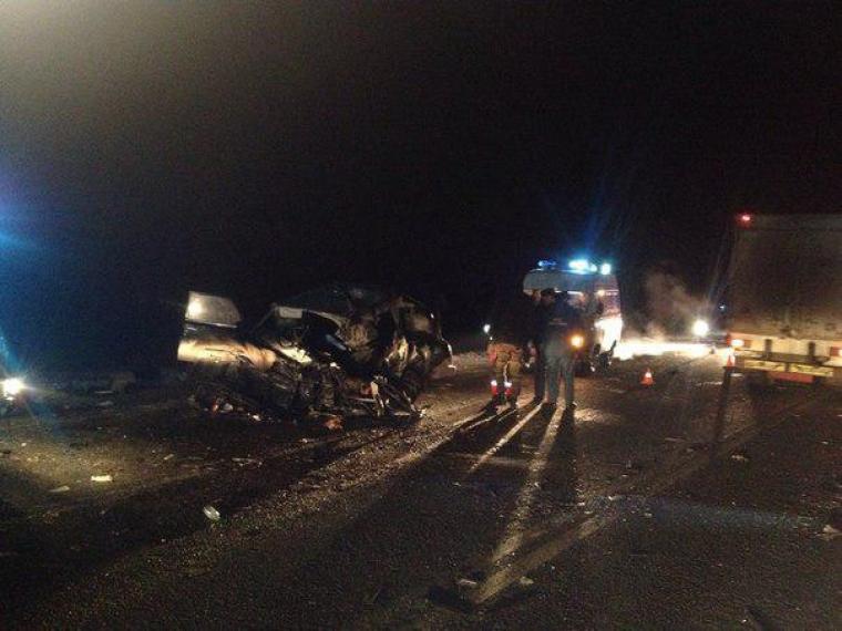 Вночном ДТП под Омском погибли 5 человек, включая двухлетнюю девочку