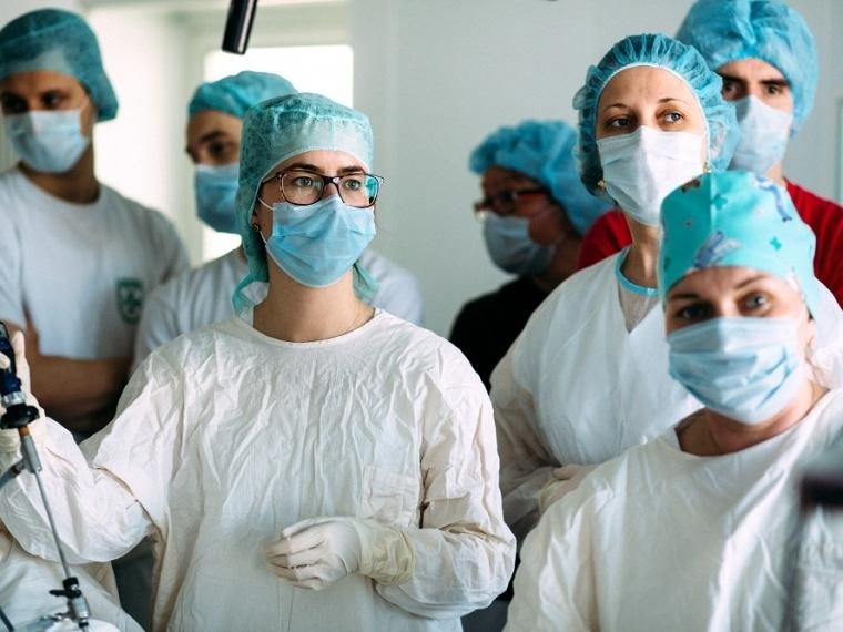 В Омске будут судить персонал медцентра, у пациентки которого развился септический шок